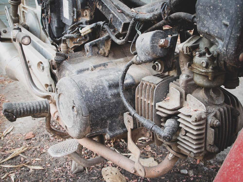 Qual a diferença entre um motor de 2 e 4 tempos