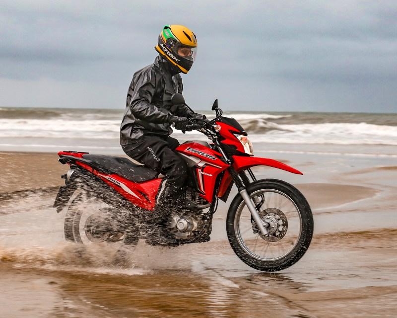 Honda bros 2022 - andando na terra