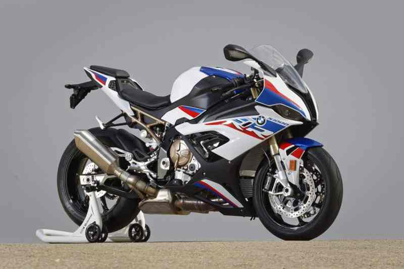 BMW-Motorrad-1000-RR-M-Carbon