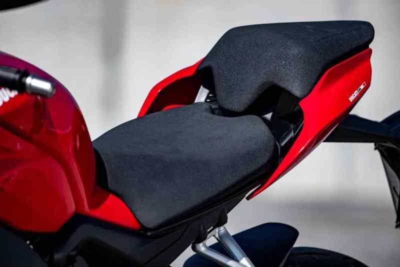 Ducati Streetfighter V4 S banco