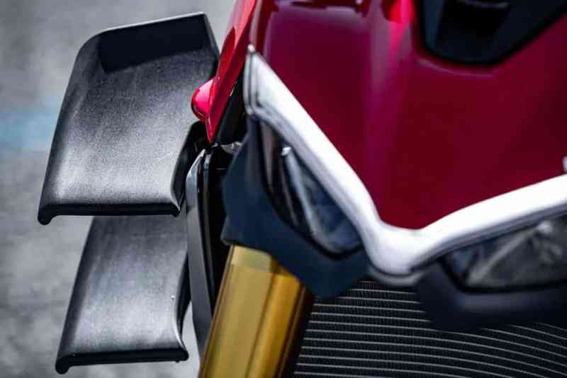 Ducati Streetfighter V4 S Winglets